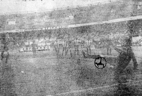 El penal para los de Avellaneda lo cobró Raúl Savoy con este remate (Recorte: diario La Crónica)