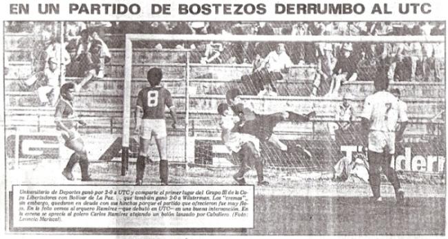 El golero Carlos Ramírez, del UTC de Cajamarca, defiende su arco del ataque de Universitario la vez que ambos clubes chocaron en Matute por la Libertadores 1986 (Recorte: diario La Crónica)