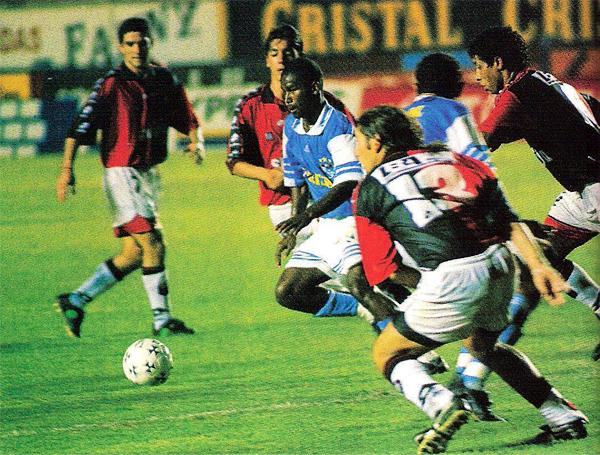 Un mal resultado para Cristal acabó por darle a Colón su clasificación en el Nacional al superar la Fase de Grupos (Recorte: revista Don Balón Perú)