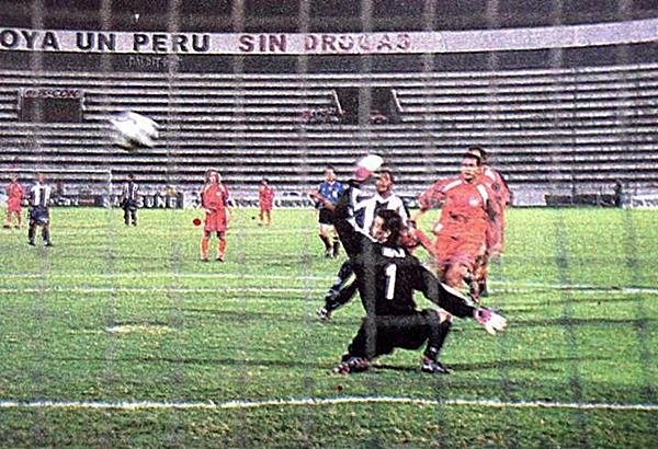 Alianza jugaba por el honor, pero ni eso pudo recuperar en 2002: perdió 1-2 ante Cobreloa (Foto: historiablanquiazul.wordpress.com)