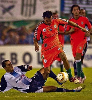 Otra historia de locos: Alianza le empató a Banfield para terminar perdiendo a falta de tres minutos (Foto: lanacion.com.ar)
