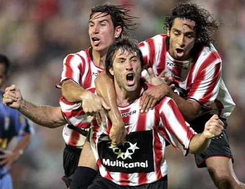 Acaso la más increíble de las derrotas peruanas de último minuto en Copa: el 4-3 de Estudiantes a Cristal en 2006 (Foto: clarin.com)