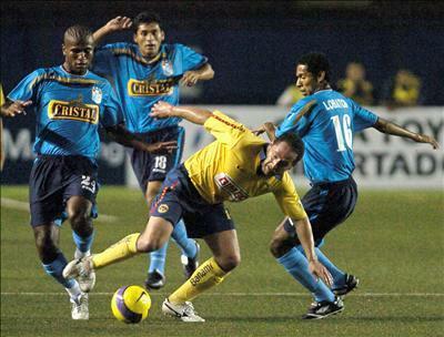 En su primera visita oficial a Lima, el año pasado, América ya se había ido derrotado por la mínima diferencia: 2-1 ante Sporting Cristal (Foto: EFE)