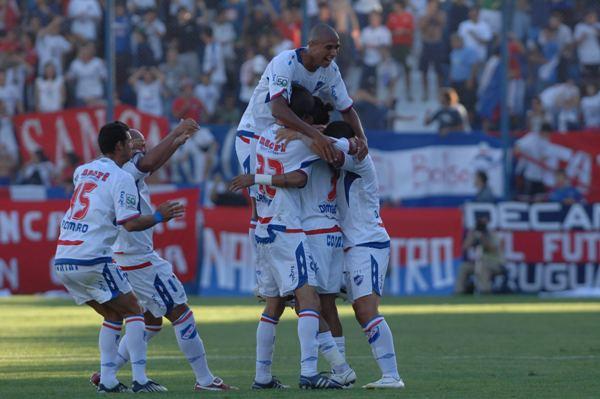 PARQUE DE DIVERSIÓN. El recinto tricolor vibró con el gol de Federico Domínguez (Foto: ultimasnoticias.com.uy)