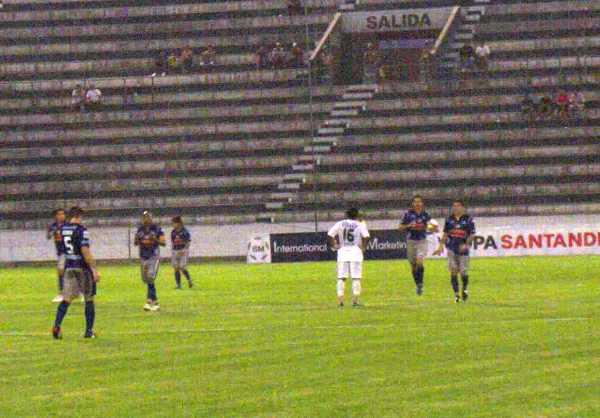 EL DISTINTO. Pedro García fue la figura excluyente del encuentro. Sus dos goles bastaron para ganar tres puntos (Foto: Abelardo Delgado / DeChalaca.com)
