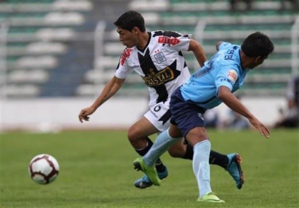 La marca del Bolívar no bastó para frenar a Joel Sánchez y compañía que en el Hernando Siles se llevó un claro triunfo en 2010 (Foto: Reuters)