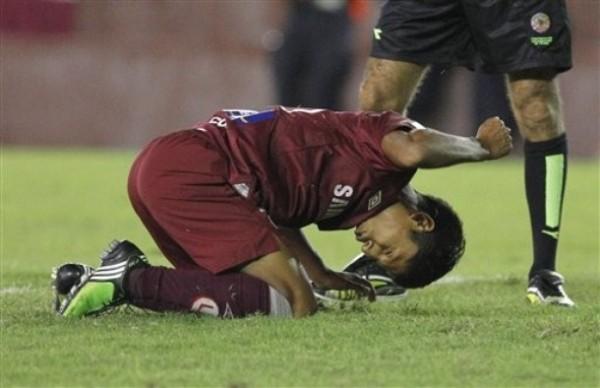LAMENTO ETERNO. Ruidíaz no puede creerlo: se perdió el gol de la Copa y de su vida (Foto: AP)
