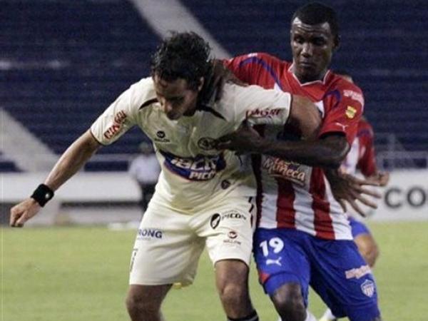 SIN MOTIVACIÓN. Carlos Orejuela fue uno de los puntos bajos de León de Huánuco, que realmente trató de dar prioridad en lo defensivo en un encuentro que solo quedaba para las estadísticas. (Foto: AP)