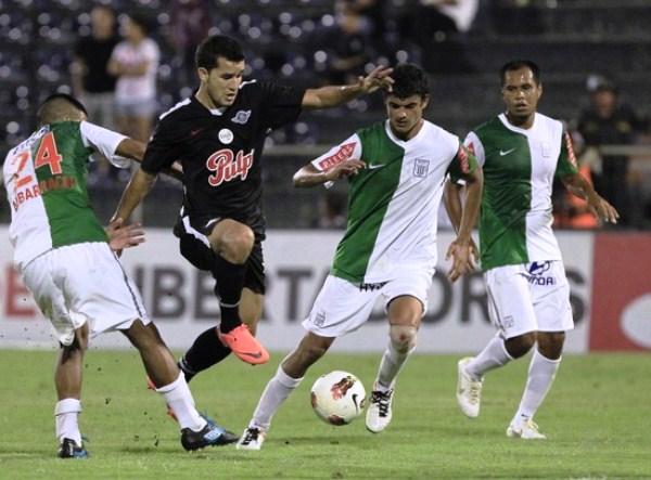 Mientras disputaba la Copa Libertadores, Alianza fue perdiendo peso en su plantel ante la incontenible fuga de jugadores por la crisis del club (Foto: AP)