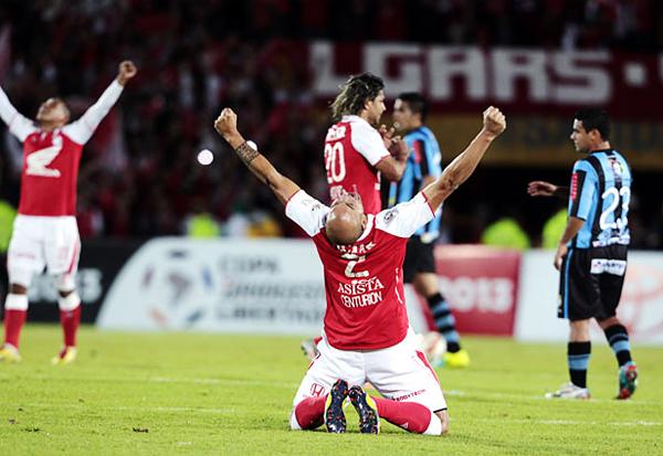 Santa Fe acabó superando la llave más accesible al vencer en los dos partidos a un Real Garcilaso que no lo exigió (Foto: Reuters)