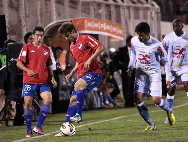 Nacional se plantó en el Cusco para sostener la diferencia en el marcador hasta que en la etapa final mejoró su juego con una mejor posesión del balón (Foto: José Carlos Angulo)