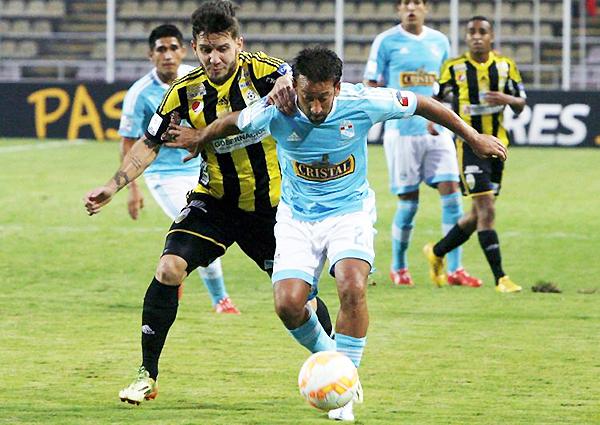 Pese a mostrar un juego superior al de Guaraní y Táchira, Cristal se ve comprometido y necesitará de una victoria en la última fecha para clasificar a los octavos de final de la Copa Libertadores (Foto: AFP)
