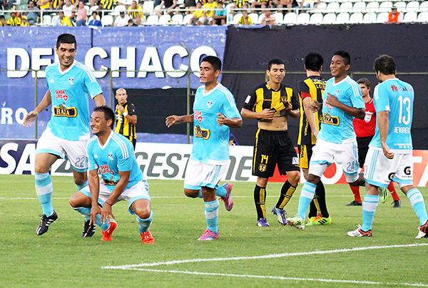Cristal salió decidido a sorprender en Asunción, logró la ventaja pero no la supo mantener (Foto: prensa Sporting Cristal)