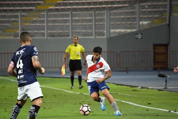 Pier Larrauri está llamado a ser la gran figura de Deportivo Municipal en 2017. (Foto: Raúl Chávarry / DeChalaca.com)