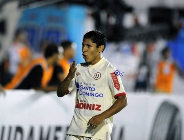 YO, PULGA. Universitario logró el empate sorpresivo gracias a una definición magistral de Raúl Ruidíaz. (Foto: AFP)