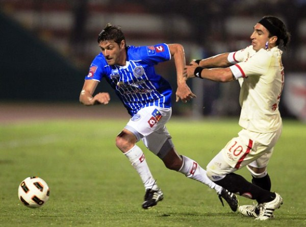 NO LA VIO. Pablo Vitti no tuvo una noche feliz en el Callao. No solo por su performance en los 90 minutos. (Foto: Reuters)