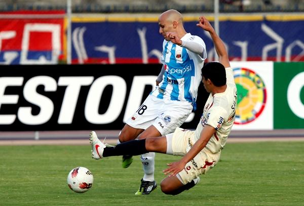 EL DEBUT. Sergio Almirón no tuvo un buen debut con León. El argentino prácticamente no apareció en el cotejo. (Foto: Diario El Comercio de Quito)