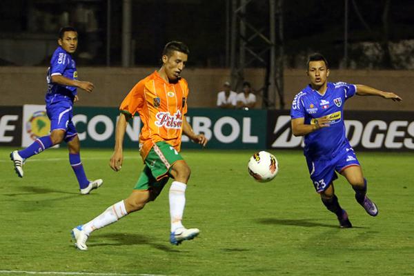 Envigado mantuvo el dominio de las acciones la mayor parte del partido en el que el equipo riojano no le encontró vuelta a su desventaja en el marcador (Foto: elmundo.com)