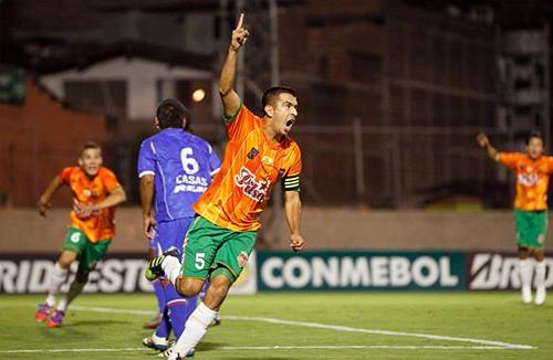 EL CAPO. Andrés Orozco se alzó como el mejor de un cotejo en el que no fue tan exigido en su función defensiva (Foto: futbolred.com)