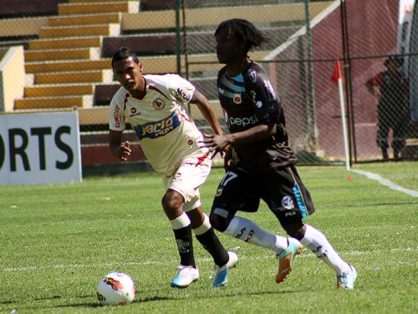 LA CLAVE: Juan Carlos Paredes fue de los que mejor aprovechó en Deportivo Quito el planteo que su técnico plasmó en el Heraclio Tapia (Foto: diario La Crónica de Huánuco)