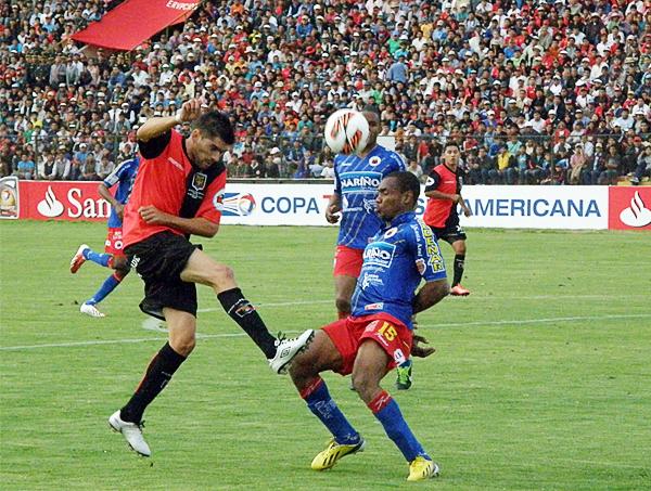 En el segundo tiempo ingresó Bosco Frontán para intentar marcar un nuevo tanto, pero todo fue en vano y Melgar se quedó a un paso de la hazaña en Arequipa (Foto: Iván Carpio / DeChalaca.com)