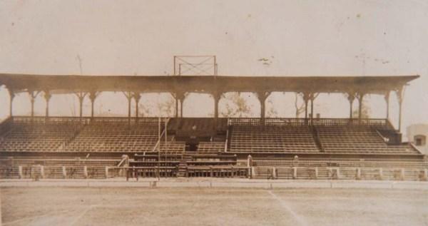 Viejo stadium Nacional, escenario en el que se disputaron el clásico de Reservas y de Primeros Equipos, en 1934 (Foto: arkivperu.com)
