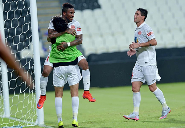 Farfán no continuará en Al Jazira, luego de anotar apenas tres goles. (Foto: prensa Al Jazira)