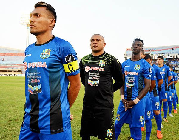 Juan Arango, Renny Vega y Hervé Kambou. El ex Sport Boys tiene la posibilidad de afrontar la Libertadores con el Zulia. (Foto: Noticias al Día)