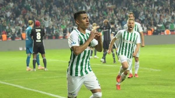 Hurtado y uno de sus escasos gritos de gol con el Konyaspor. (Foto: Prensa Konyaspor)