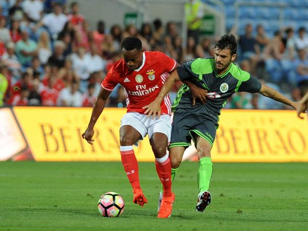 Luego de una temporada, Carrillo retomó ritmo de competencia con Benfica. (Foto: AFP)