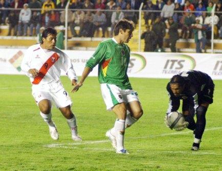'Malingas' Jiménez estuvo discreto y apenas si inquietó al golero Galarza (Foto: ABI)