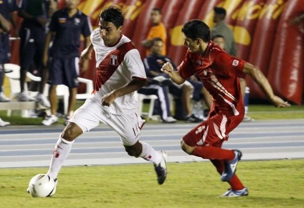 El último jugador en meterse en este conteo fue Jean Tragodara cuando en 2010 empezó a jugar en la selección de la mano de Sergio Markarián (Foto: Reuters)