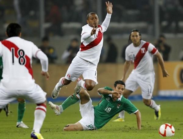 VS. BOLIVIA (AMISTOSO - IDA). La primera presentación post Copa América no fue auspiciosa: Perú igualó 2-2 ante Bolivia y se reencontró con su vieja casa -el estadio Nacional- renovada. (Foto: Reuters)