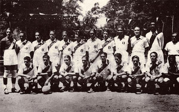 El plantel de la selección peruana que participó en Buenos Aires del Sudamericano disputado en 1937 (Foto: libro 'Lolo, Ídolo eterno', Teodoro Salazar Canaval)