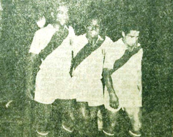 Juan Joya Cordero, Óscar Gómez Sánchez y Miguel Loayza fueron solo tres de los mejores jugadores que tuvo la selección peruana en aquel sudamericano (Recorte: diario La Nación)