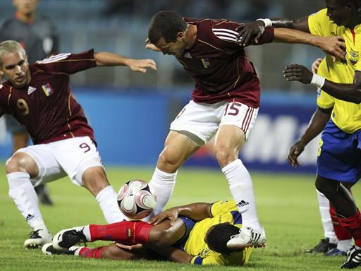 La jugada clave del partido: la lesión de Hurtado, que dejó a Ecuador sin soporte defensivo (Foto: FIFA.com / AFP)