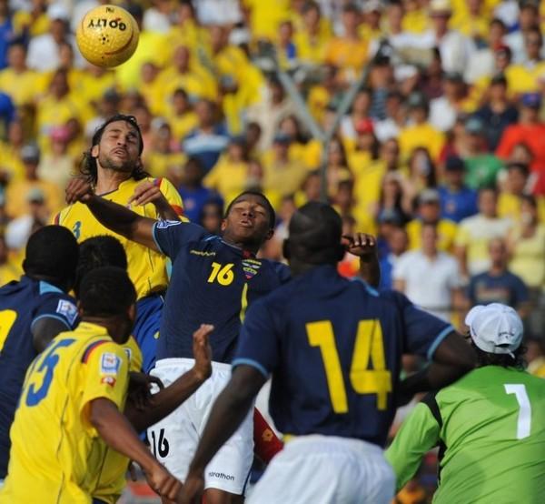 NO VALENCIA. La figura del Manchester United no pudo ayudar a su selección a sacar un punto en Medellín (Foto: AFP)