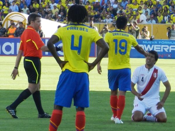 VS. ECUADOR (ELIMINATORIAS BRASL 2014). Segunda presentación en condición de visitante y segunda derrota. Perú cerró el 2011 con una nueva derrota por Eliminatorias. En Quito, sucumbió por 2-0 ante Ecuador. (Foto: Paul Arrese / DeChalaca.com)