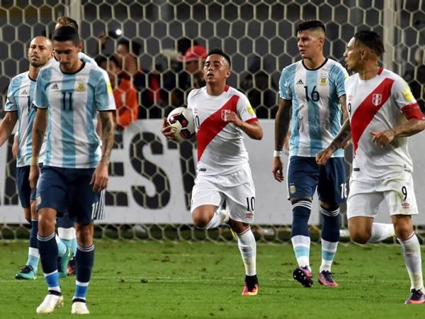 Perú estuvo cerca de ganar, pero tuvo avances futbolísticos que suman. (Foto: AFP)