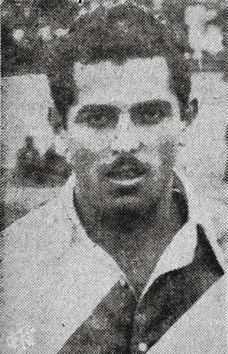 Víctor Bielich, autor de dos goles peruanos en el arco de Ecuador (Recorte: diario El Comercio)