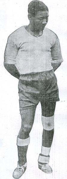 Pedro Ibáñez, delantero que pertenecía a los registros de Sport Boys y que fue la gran figura del encuentro ante Colombia. Vulneró la resistencia cafetera en tres oportunidades (Recorte: diario La Crónica)