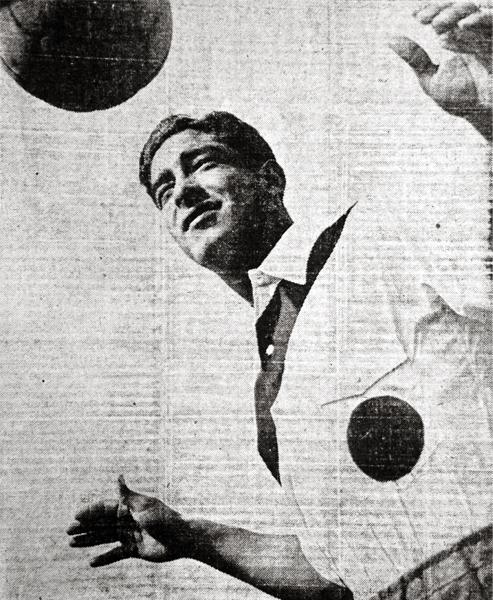 Óscar Espinar tuvo un feliz ingreso en el once titular de Perú ya que fue él quien se encargó de abrir el camino hacia la goleada (Recorte: diario La Crónica)