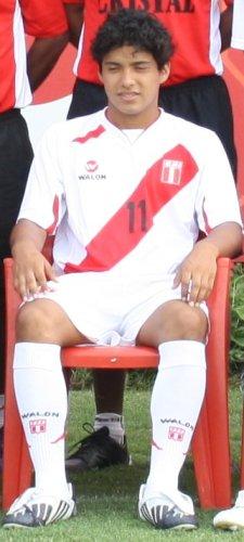 11. PEDRO LA TORRE. De no mediar inconvenientes, el jugador del Esther Grande será fijo en la volante peruana (Foto: DeChalaca.com)