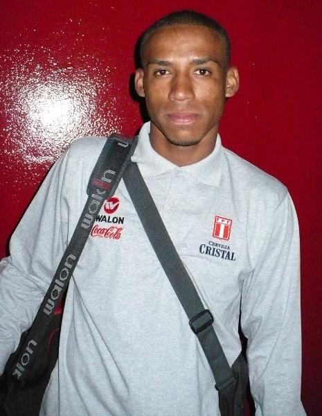 5. RENATO ZAPATA. El jugador de las filas de Universitario es el capitán de los nuevos 'jotitas' (Foto: DeChalaca.com)