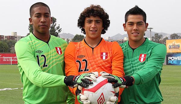 Ítalo Espinoza, Patricio Torres y Juniors Barbieri (Foto: Prensa FPF)