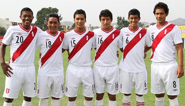 Enmanuel Páucar, Leonardo Mendoza, Julio Cabellos, Claudio Namoc, Roberto Siucho y Renzo Garcés (Foto: Prensa FPF)