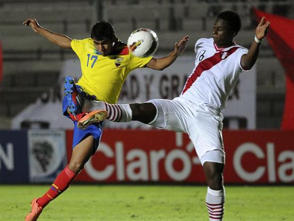 El partido en el que saltó a la luz el caso de Max Barrios -en la foto-, ante Ecuador en la Primera Fase del Sudamericano Sub-20 de Argentina (Foto: AP)