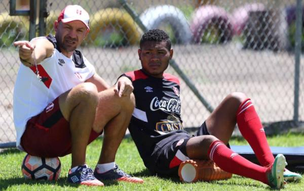 Fernando Nogara tiene parte de resonsabilidad, pero no por su nacionalidad; ese es un absurdo. (Foto: prensa FPF)