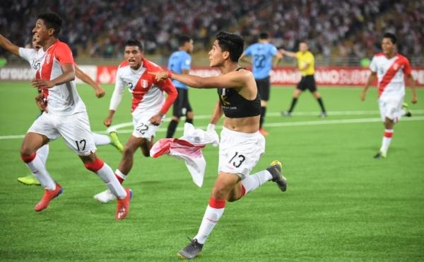 El agónico gol de Óscar Pinto a Uruguay parecía encaminado a poner a Perú en el Mundial Sub-17 de Brasil. (Foto: Álex Melgarejo / DeChalaca.com)