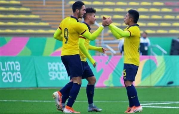 El festejo de Vivar con Campana luego del tanto de empate ecuatoriano. (Foto: Comité Olímpico Ecuatoriano)